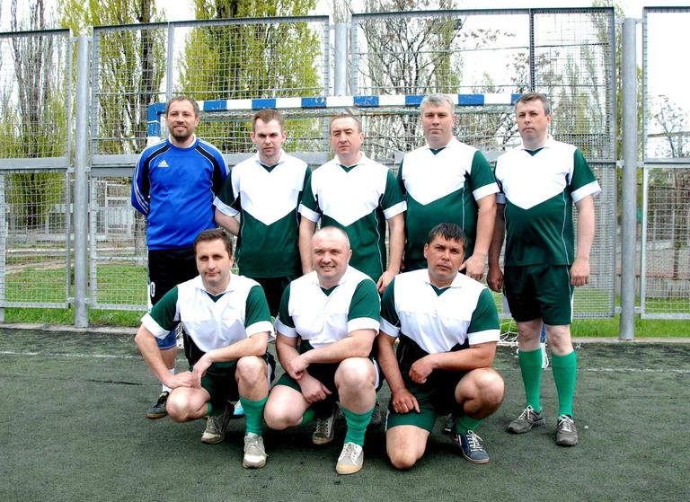 Обыграв никопольчан, наши депутаты заняли 2-е место по мини-футболу и прошли в следующий этап соревнований