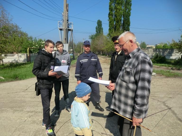 Рятувальники спільно з волонтерами служби порятунку 101 продовжують проводити заходи з запобігання пожеж у житловому секторі та природних екосистемах