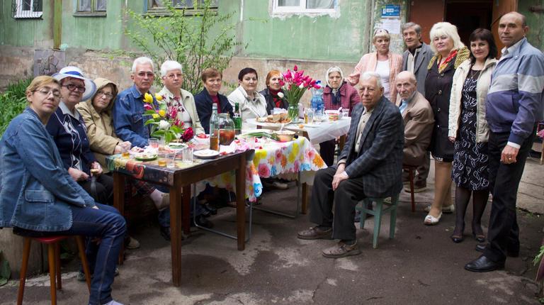 """Свято будинку """"Ми всі із вулиці Курчатова"""" (оновлено, додано відео)"""