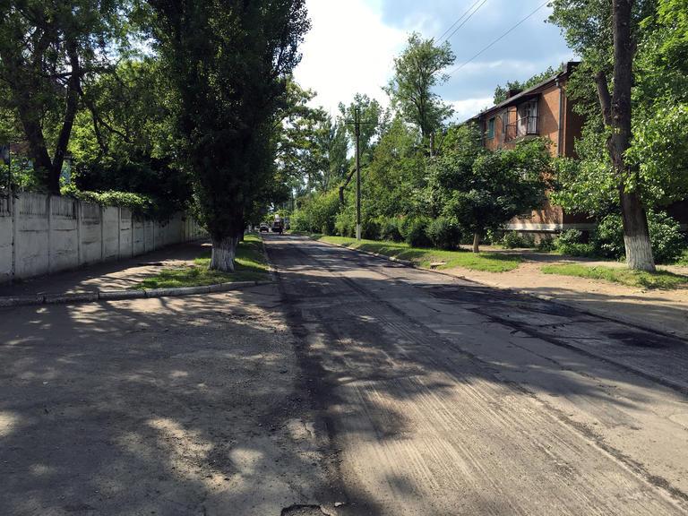 Продолжаются ремонты дорог и кровель