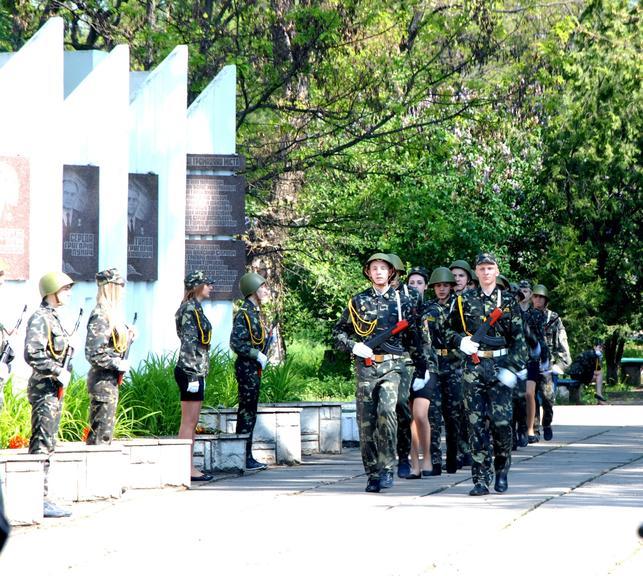 Память солдат почтили на Аллее Славы