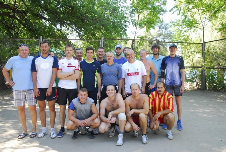 Волейболисты ОГОКа на турнире в Запорожье