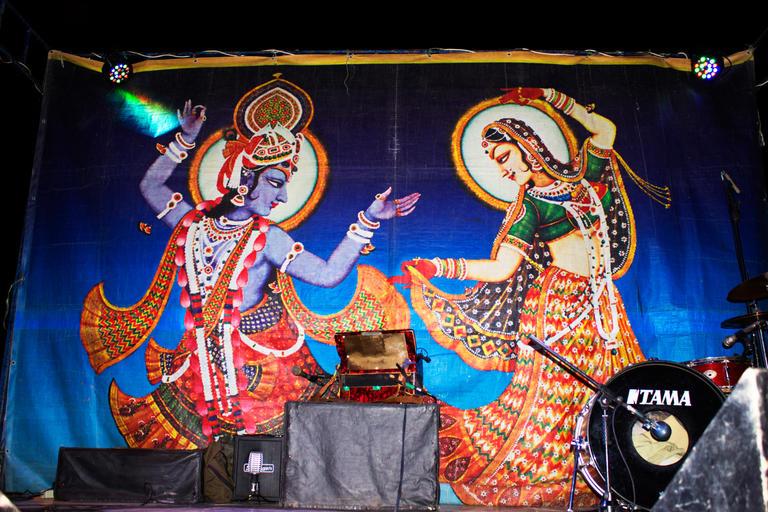 Песни, танцы, огненное шоу и битва красками – фестиваль индийской культуры в нашем городе (ФОТО/ВИДЕО репортаж)