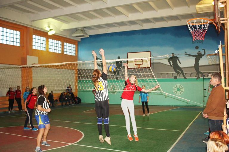 В Покрове соревновались юные волейболисты