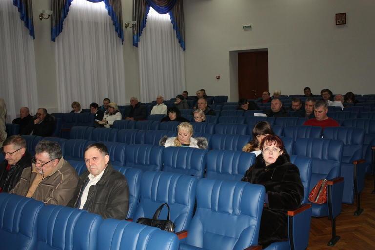 Благие намерения и сухие цифры: депутаты приняли Программу развития и бюджет Покрова на 2017 год