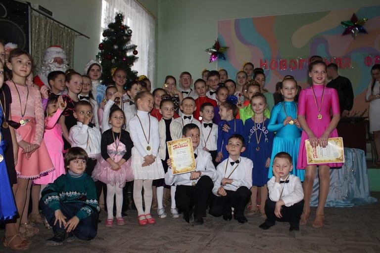 «Новогодняя феерия» от юных танцоров Покрова (+ВИДЕО)