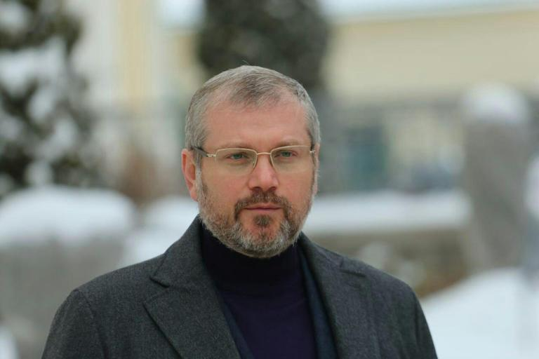 Вилкул: Власть продолжает раскалывать Украину – Парубий запретил выступать в Раде на русском языке