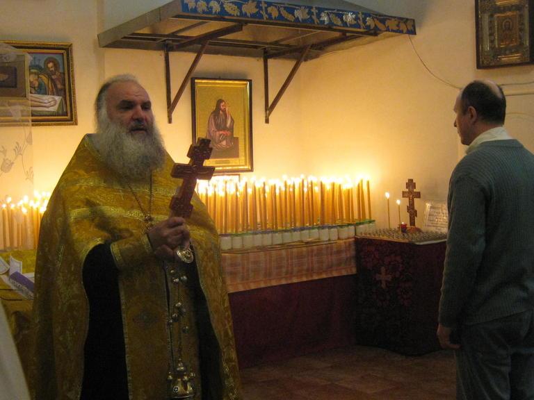 В Храме Божием зажгли поминальные свечи…
