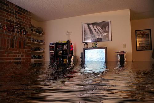 Юридические советы: что делать, когда затопили квартиру