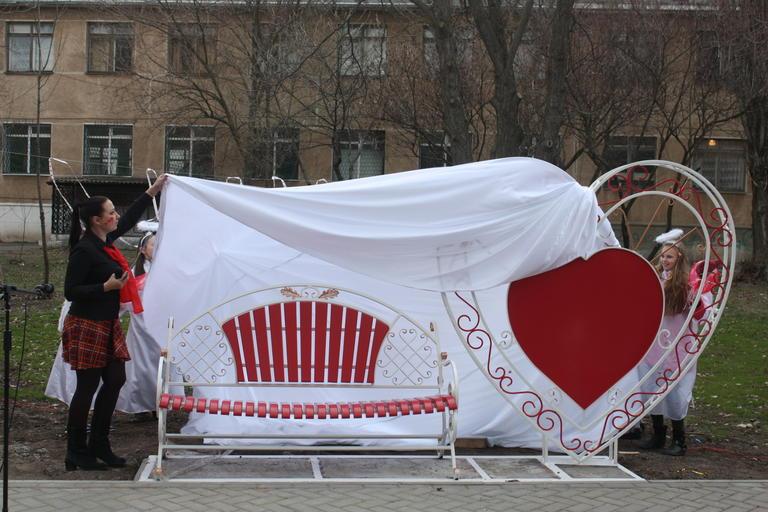В Покрове появилась «Скамейка влюбленных» (+ВИДЕО)
