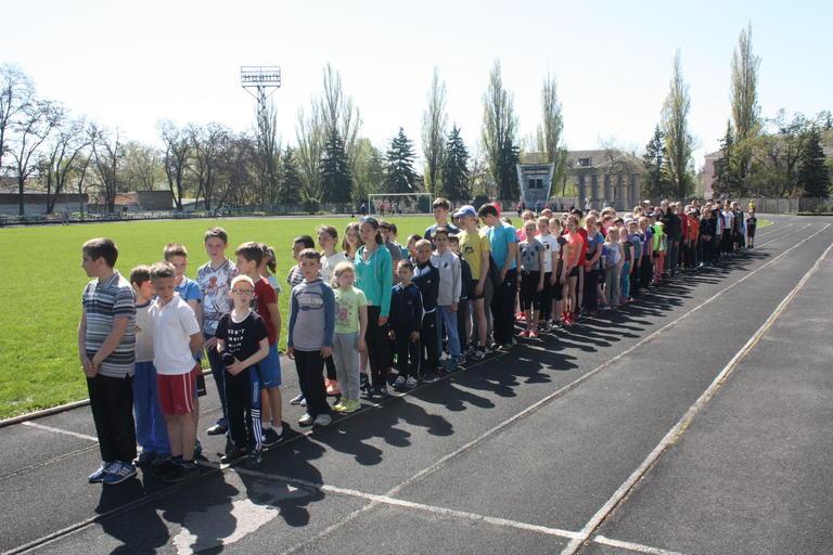 В Покрове соревновались юные легкоатлеты из двух областей (+ВИДЕО)