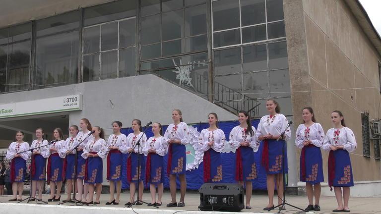 День матери в Покрове отметили праздничным концертом (ФОТО, ВИДЕО)