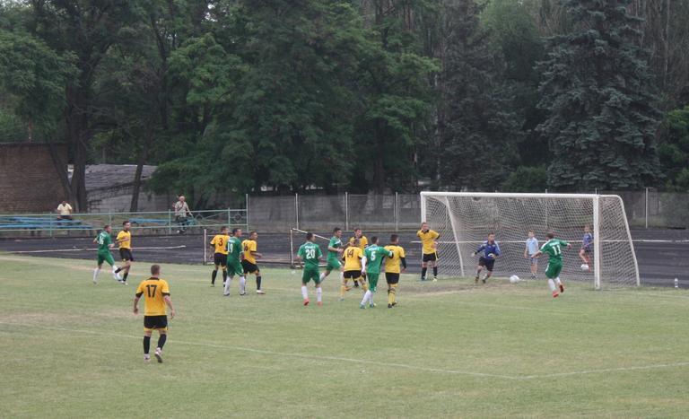 Футбол: «Авангард» крупно проигрывает на своем поле (обновлено, добавлено ВИДЕО)