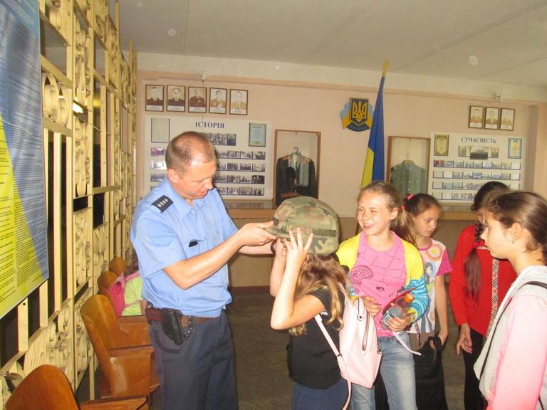 Покровське відділення поліції зустрічало школярів