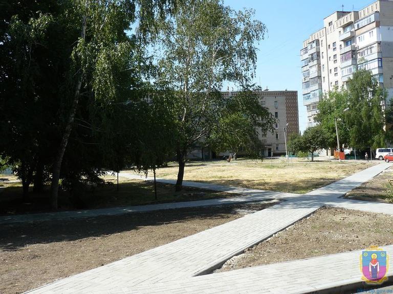 На Центральній,57 завершено ремонт внутрішньоквартальної території