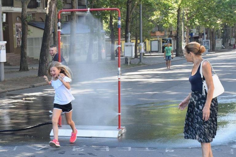 Хорошая идея: в Николаеве придумали, как помочь горожанам перенести жару (ФОТО, ВИДЕО)