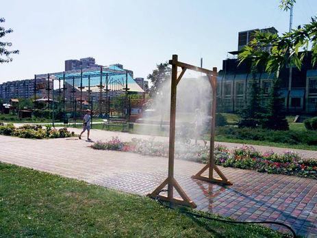 В Киеве установили 17 рамок – распылителей воды