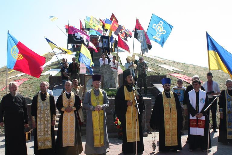 Фестиваль народної творчості та реконструкція битви: сучасні козаки вшанували пам'ять Івана Сірка (ФОТО, ВІДЕО)