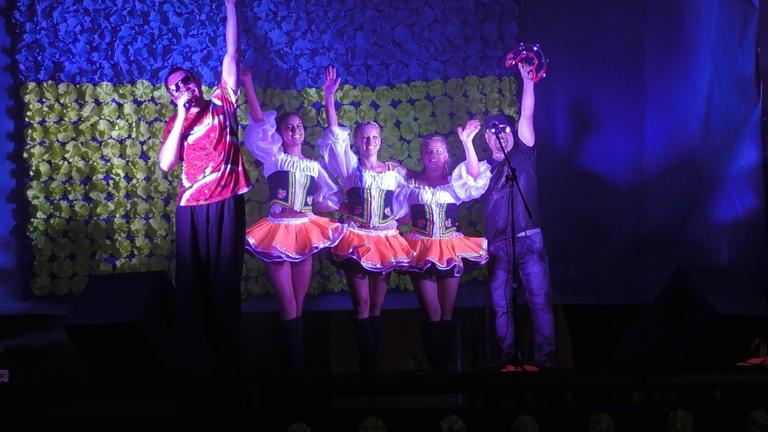 Вечерняя программа Дня Независимости в Покрове: казацкие развлечения, машина в качестве полотна для рисунков и приглашенная группа «Степ»