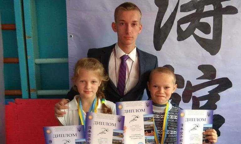 Перші змагання завершили з медалями