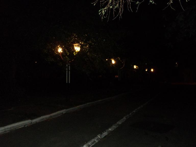 Стало ли светло на территории больницы?