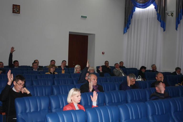 Образование, информационные технологии и новые Почетные граждане: прошла сессия горсовета (ВИДЕО)