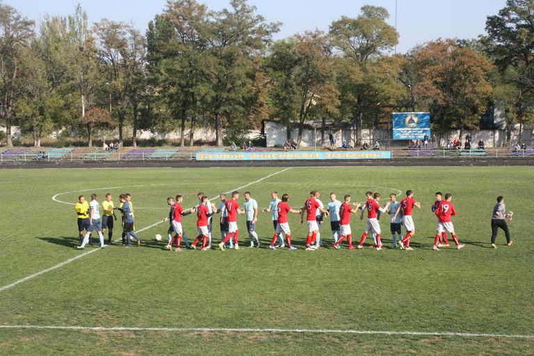 Футбол: Домашнее поражение «Авангарда», первая победа «крестоносцев»