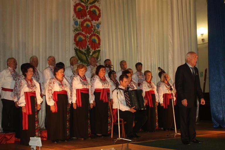 День пожилых людей в Покрове отметили концертом и танцами (ФОТО, ВИДЕО)