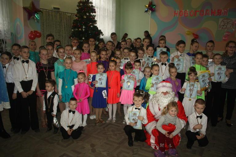 «Новогодняя феерия-2018»: юные танцоры Покрова продемонстрировали свои таланты (ФОТО, ВИДЕО)