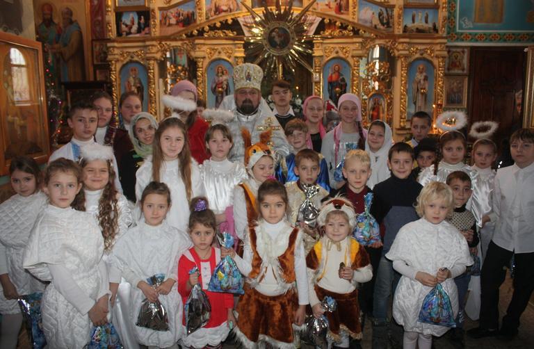 «Христос родился! Славим его!»: в Покрове отметили Рождество Христово (ФОТО, ВИДЕО)