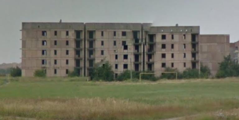 Недостроенные дома возле 36-го микрорайона теперь будут охранять