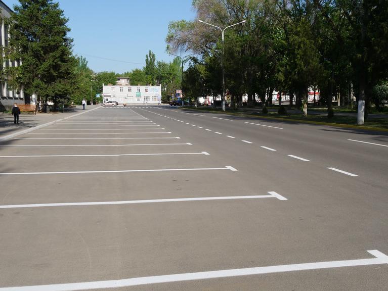Городская власть заплатит киевской фирме почти 200 тысяч гривен за нанесение дорожной разметки