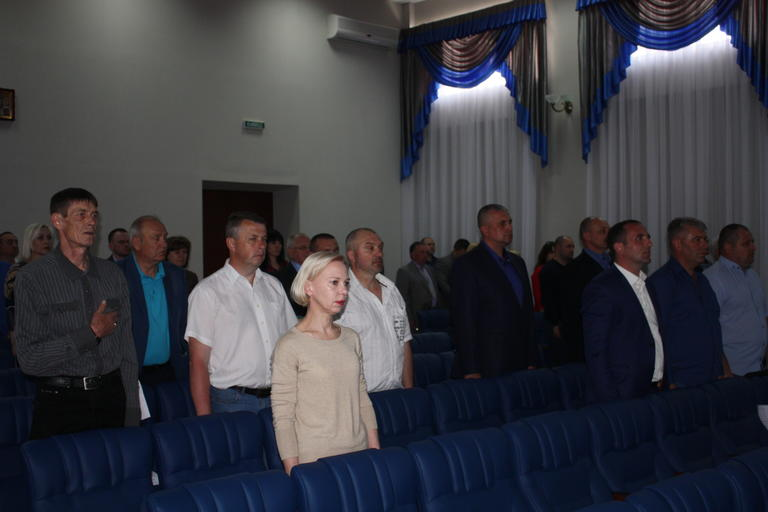 Реорганизация второй школы и переименование ДЮСШ: о чем еще говорили на сессии
