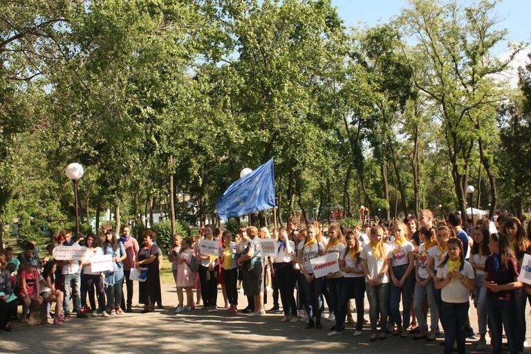 День Европы в Покрове отметили фестивалем школьных евроклубов (ФОТО, ВИДЕО)