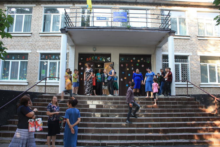 Решили сэкономить на детях? В Александровке прошло собрание, посвященное закрытию школы (ВИДЕО)