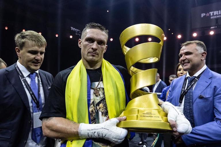 Александр Усик -Абсолютный чемпион мира WBO, WBC, WBA, IFB, пояса журнала The Ring и Кубка Мухаммеда Али!