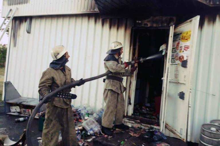 В Александровке горел торговый павильон