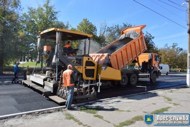 Советник губернатора рассказал о ремонте дороги на Днепр и проектах, которые областная власть реализует в Никополе