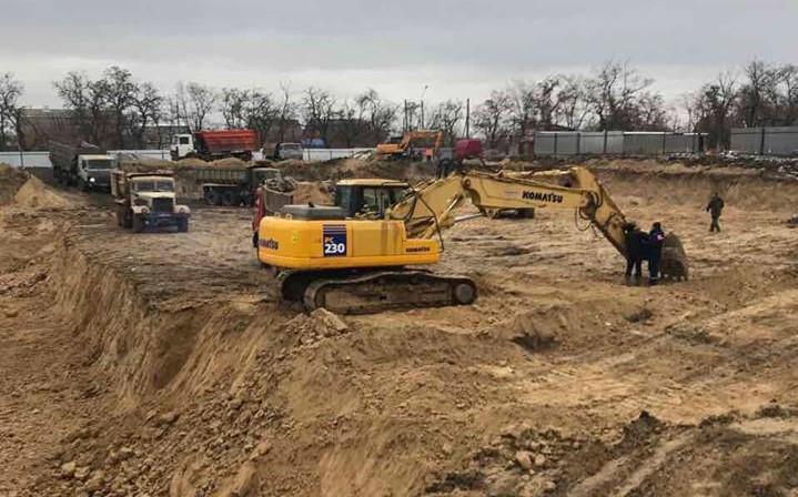 В Никополе началось строительство бассейна