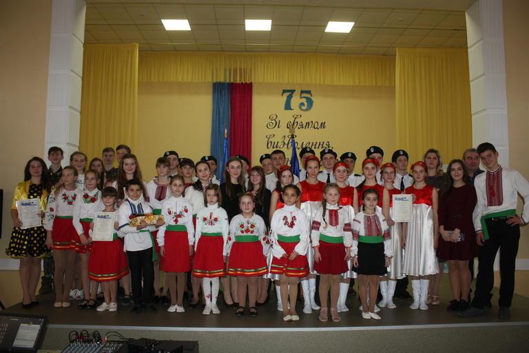 Песенный фестиваль в честь годовщины освобождения (ФОТО, ВИДЕО)