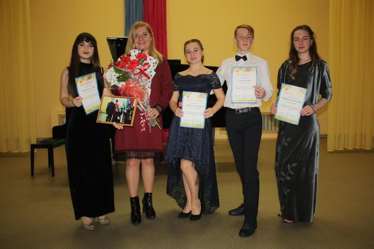 В Детской школе искусств прошел творческий вечер выпускников (ФОТО, ВИДЕО)