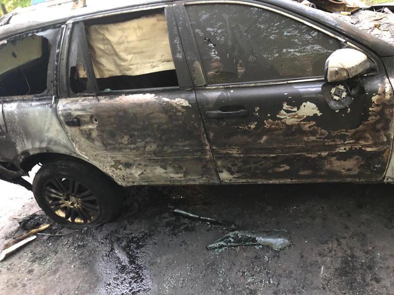 У Дніпрі підпалили автомобіль головного редактора газети «Зоря» (ФОТО)