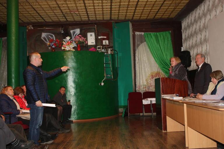 Місцеве самоврядування у сусідів: як проходять сесії у Грушівській ОТГ (ВІДЕО)
