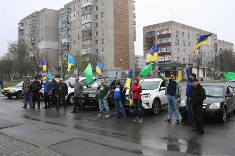Поддержали Владимира Зеленского: прошел автопробег сторонников кандидата в президенты