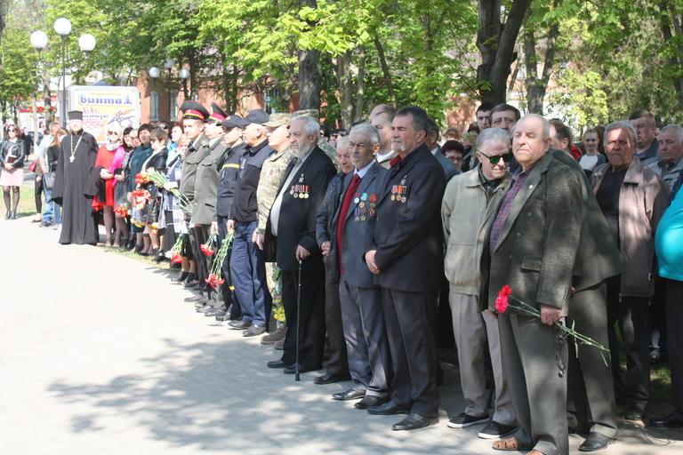 В Покрове чествовали героев-ликвидаторов и вспоминали жертв Чернобыля (ФОТО, ВИДЕО)