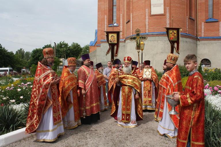 Престольный праздник в храме Иоанна Богослова (ФОТО, ВИДЕО)