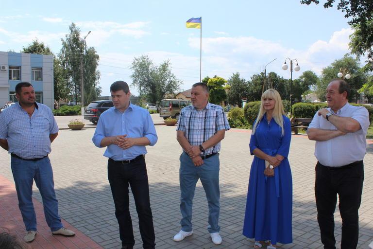 Народний депутат Вадим Івченко та кандидат у нардепи Олександра Сотула зустрілися з виборцями 35-го округу (ВІДЕО)