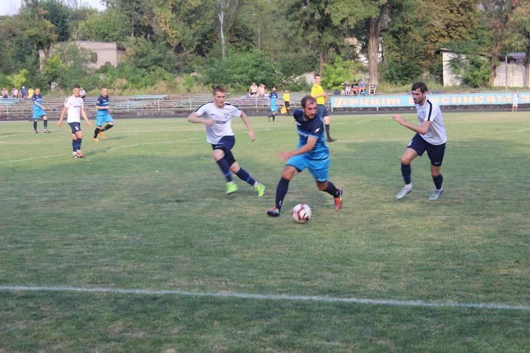 Футбол: «Авангард» на своем поле минимально уступил лидеру чемпионата (ФОТО, ВИДЕО)