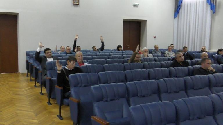 Депутаты Покровского горсовета отказались поддержать обращение о продлении моратория на продажу земли (ВИДЕО)