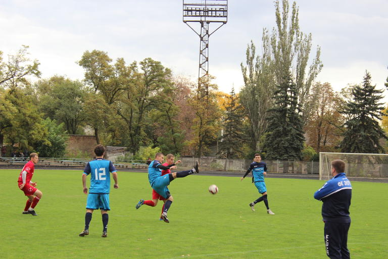 Футбол: волевая победа «Авангарда». Гонка за медалями продолжается (ФОТО, ВИДЕО)